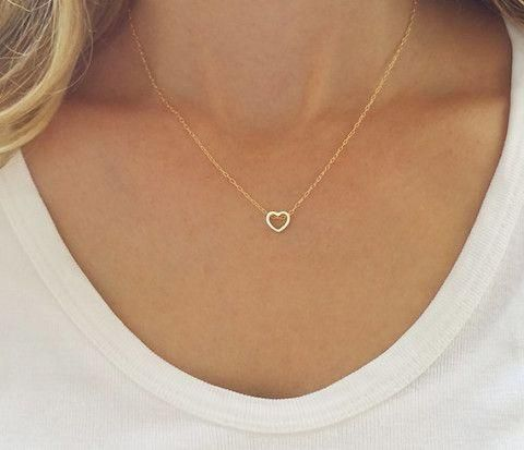 """Dainty Simple Heart Necklace"" – Gold or Silver – Family Deals –"