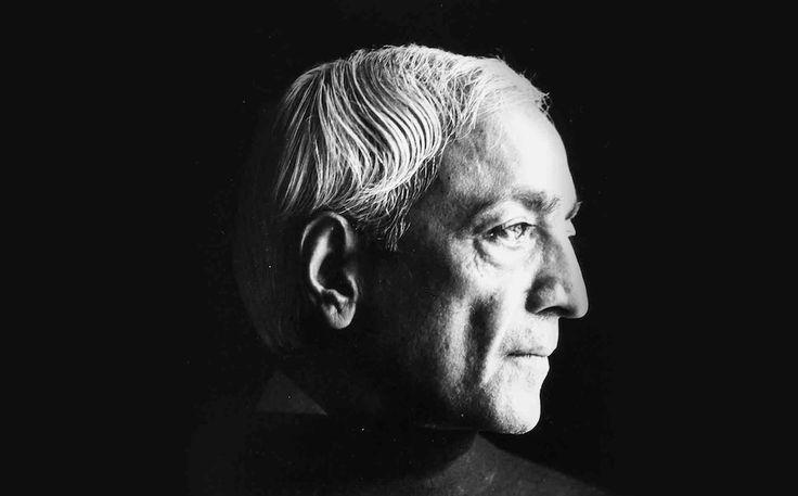 Σοφές συμβουλές για την εξέλιξή σου, Jiddu Krishnamurti Καλλιέργησε τρία πράγματα: την καλοσύνη, την σοφία και την φιλία. Αναζήτησε τρία πράγματα: