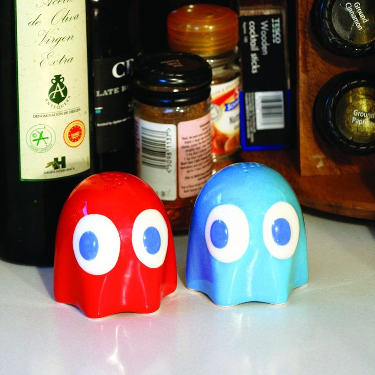 Nerdy Kitchen Accessories: Pac-Man Salt And Pepper Shakers