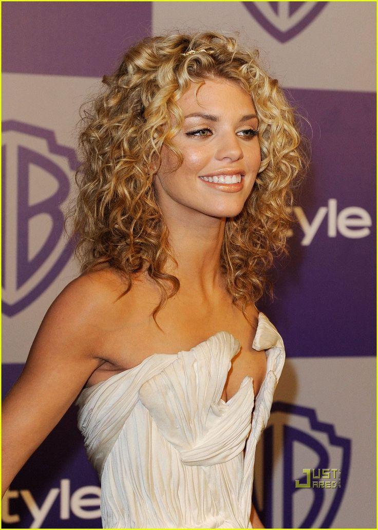 AnnaLynne McCord: Golden Globes Grecian Queen