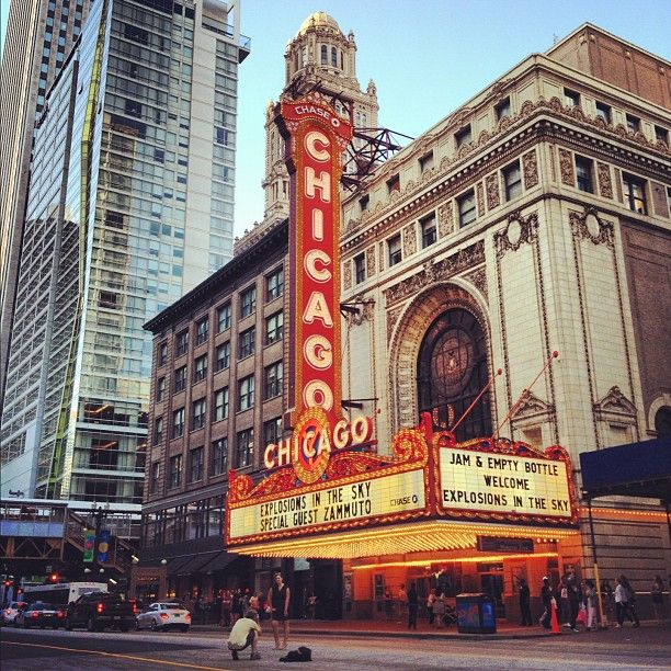 After a long drive from Atlanta, we made it to Chicago and settled in at our hotel just a few blocks away from the Chicago Theatre.