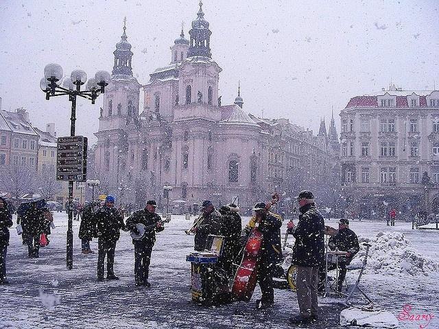 Street musicians in Prague, Czech Republic