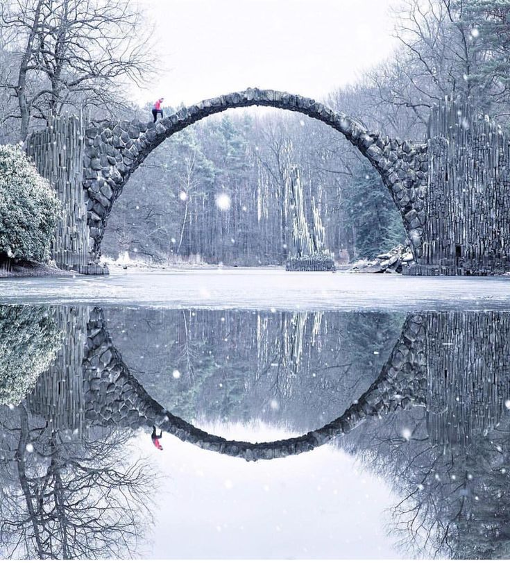 いいね!204.7千件、コメント925件 ― Wonderful Placesさん(@wonderful_places)のInstagramアカウント: 「Rakotzbrücke - Germany ✨✨ Picture by ✨✨@ilhan1077✨✨ . #wonderful_places for a feature 」