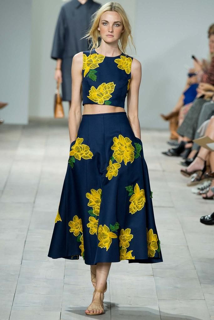 Michael Kors Spring 2015 Ready-to-Wear - Collection - Gallery - Look 1 - http://Style.com http://michaelkorsbagarea.blogspot.com/ $61.99 mk bags,mk handbags,michael kors bags.mk discount