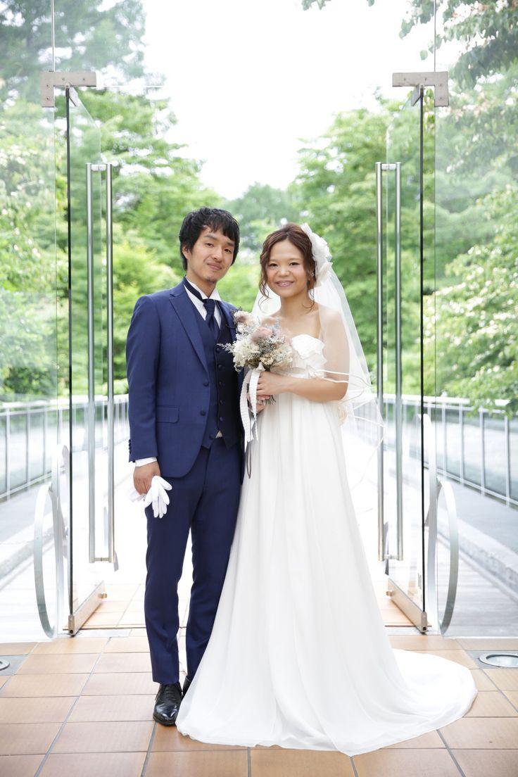 軽井沢石の教会 挙式写真 | 結婚式の新郎タキシード/新郎衣装はメンズブライダルへ