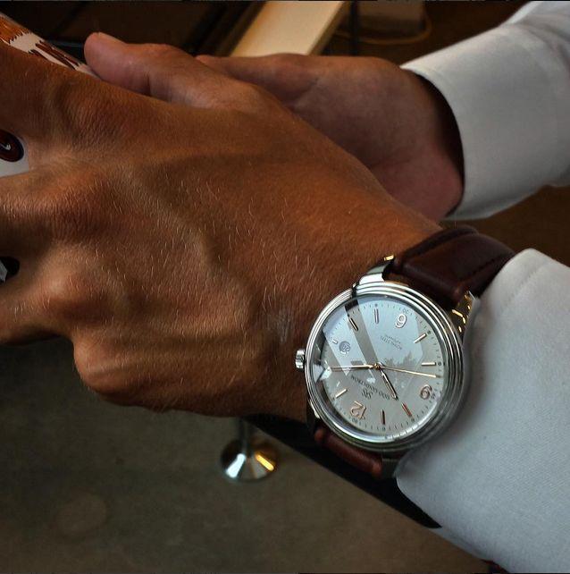Royal Steel Classic 41 mm grey rose gold dial with brown calf. #sjöösandström #sjoosandstrom #watch #watches #sweden #classic