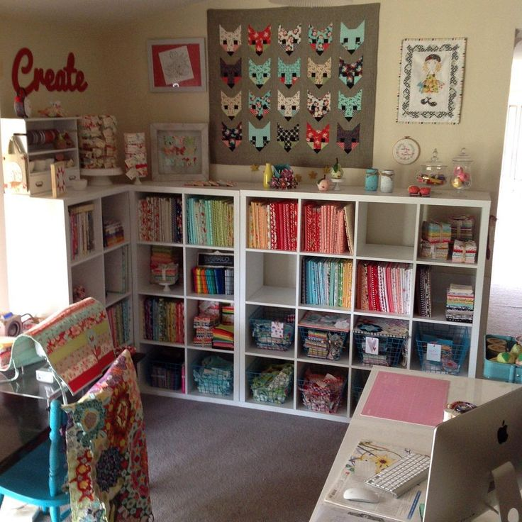 17 Best images about Studio ideas: Sewing spaces on Pinterest Crafts, Sewing room organization ...