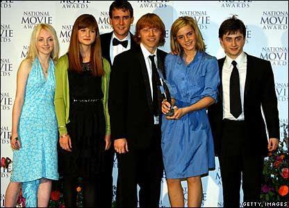 Evanna Lynch, Bonnie Wright, Matthew Lewis, Rupert Grint, Emma Watson, and Daniel Radcliffe