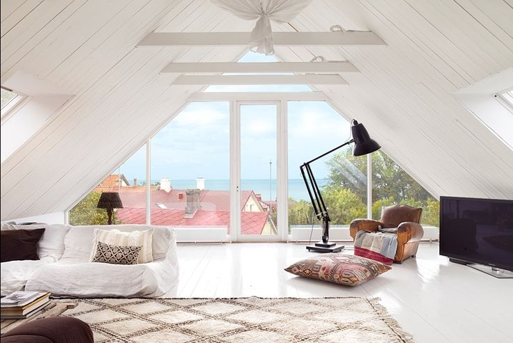 ruemag:    The lighting {and views!! and styling!!} in this space make it completely irresistible.  {image}