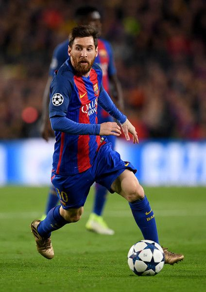 Lionel Messi of Barcelona controls the ball during the UEFA Champions League Quarter Final second leg match between FC Barcelona and Juventus at Camp Nou on April 19, 2017 in Barcelona, Catalonia.
