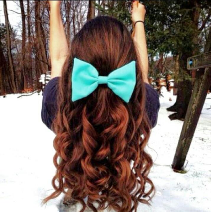 hair bows in curly hair -#main