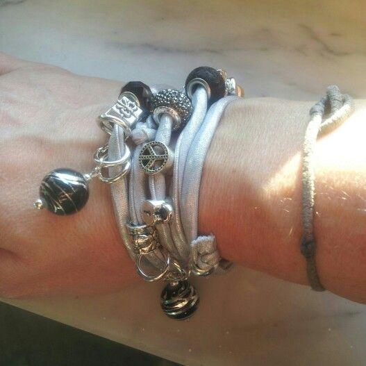 Elastic silver by Patrice...bracciale in lycra color argento con charms, pietre e ciondoli...anche personalizzabile. .contattatemi:-)...#bracelet#accessori#bijoux#lycra#silver#charms#jewelry#creazionifatteamano#depop#instagram#italia#designer#madeinitaly