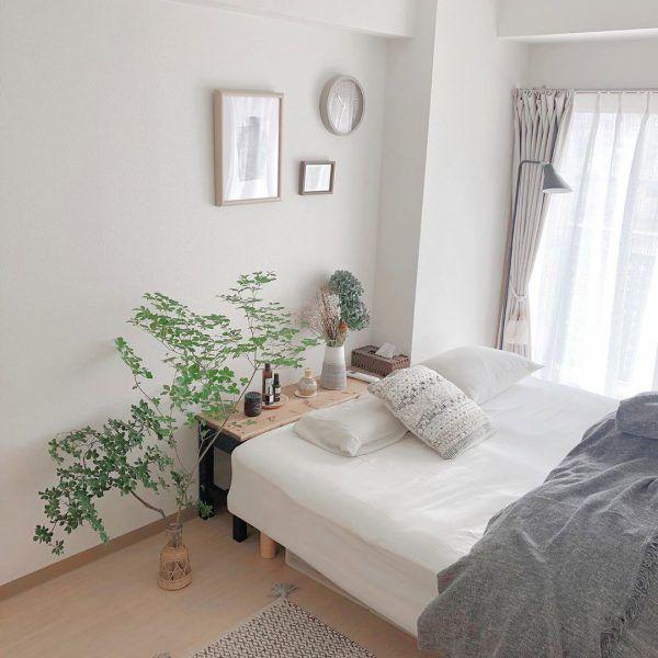 6畳の寝室をおしゃれにするレイアウト特集 ベッドの置き方で印象を変える方法15選 Folk ベッドルーム レイアウト 寝室 レイアウト インテリア