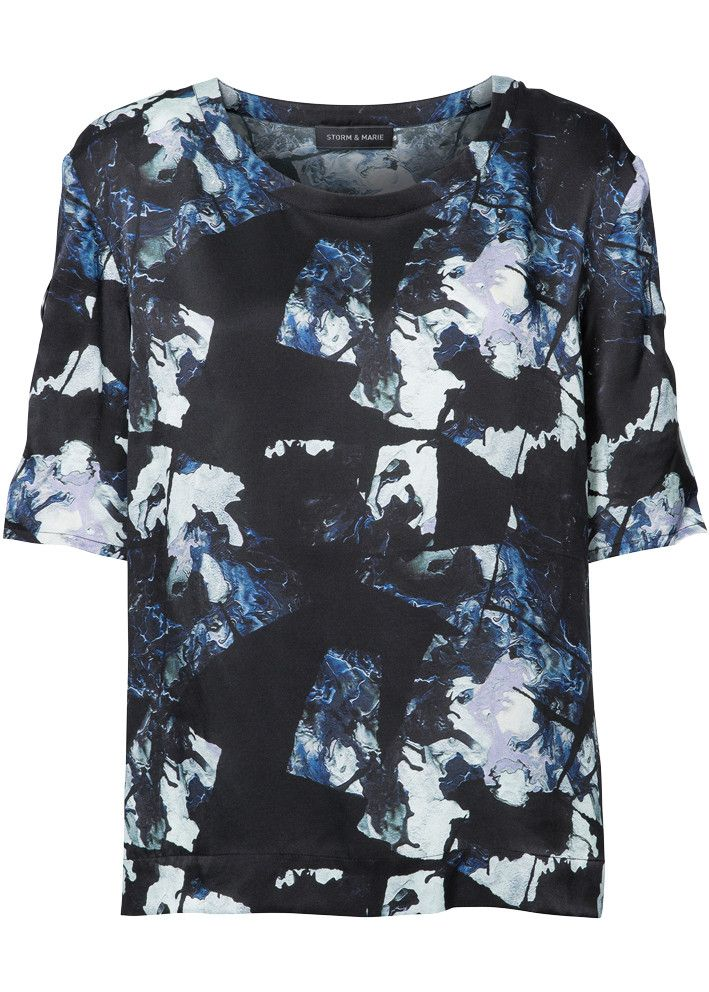 Storm & Marie Bluse mønstret 22036 Oil SS Top all over print – acorns
