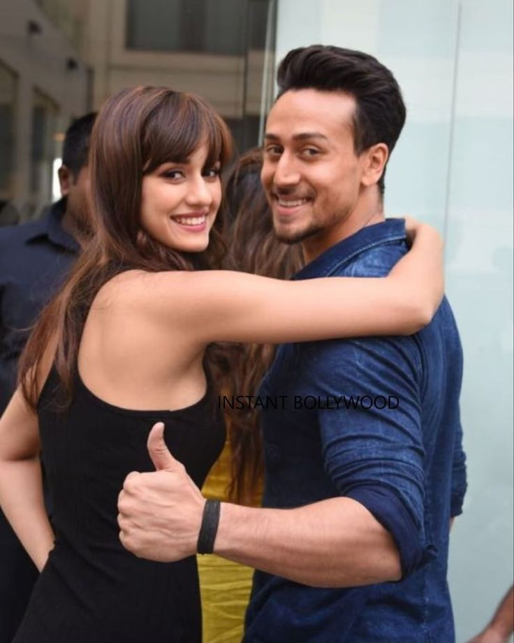 Don't they look madly in love? #tigershroff #dishapatani