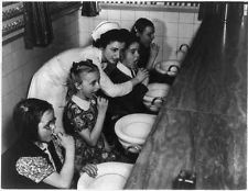 Free Dental Care,children,Guggenheim Dental Clinic,New York City,toothbrush,1940