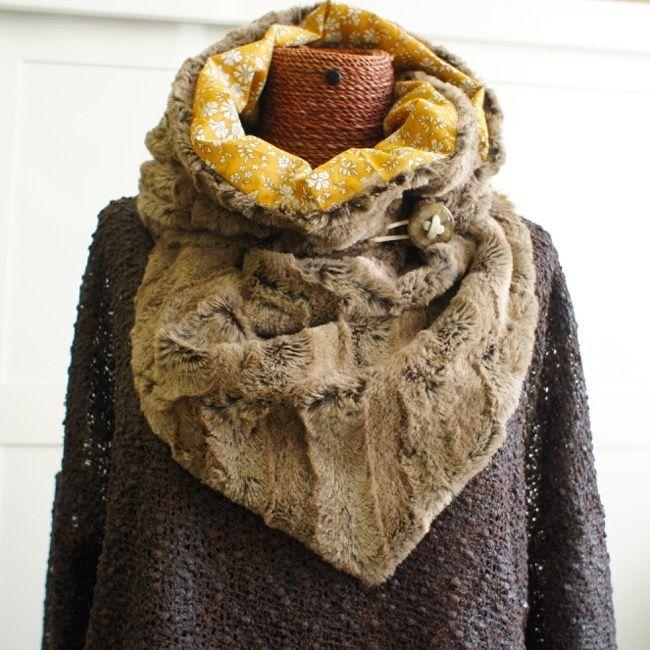 Snood en triangle   DIY by curiosité   Pinterest   Snood, Sewing et Knitting 5e51fc380c19