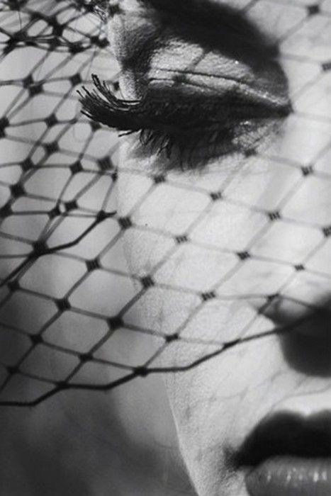 Vintage Glamour, Beautiful, Senior Photography, Black White, Bw Photography, Photography Poses, Fashion Photography, Fashion Editorial, Birdcages Veils
