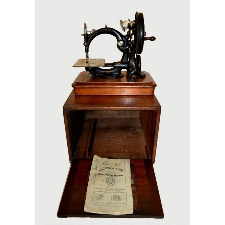 Add to Wish List Willcox And Gibb sewing machine,England 1920 Dimensions: 24x32x36 Weight: 11300gr.