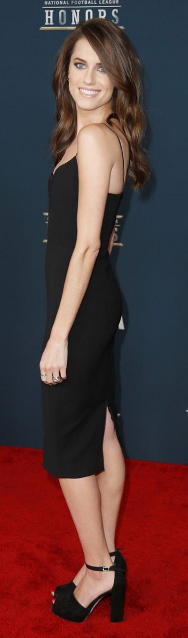 Allison Williams in Dress – Victoria Beckham \  Jewelry – Fernando Jorge  Shoes – Stuart Weitzman