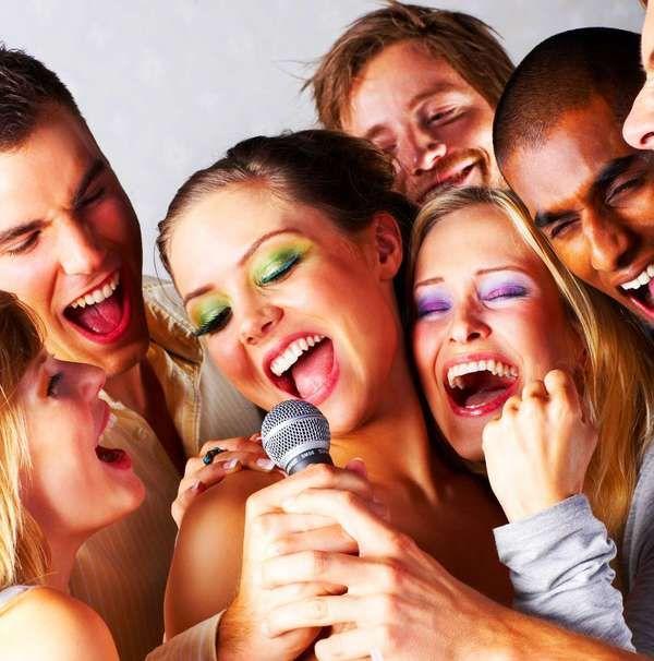 Hoje, 16 de abril, é o Dia Mundial da Voz. Trouxemos para você dicas de como cuidar de suas cordas vocais em nosso blog http://bit.ly/HOwBTI