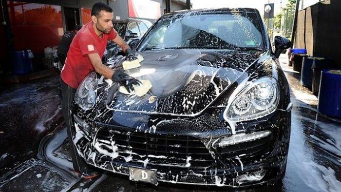 Đừng bao giờ rửa xe tại nhà bằng nước rửa chén nữa