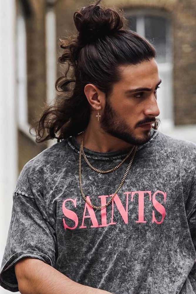 How To Get Style And Sport The On Trend Man Bun Hairstyle Man Bun Hairstyles Long Hair Styles Men Man Bun