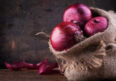 Five Reasons Why You Should Start Eating Onions!
