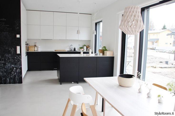 moderni,keittiö,mustavalkoinen,marmori,betonilattia