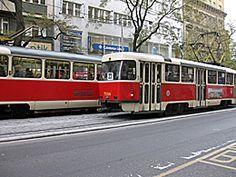 Het is heel gemakkelijk in Praag om een stadstour langs alle bezienswaardigheden te maken met de tram