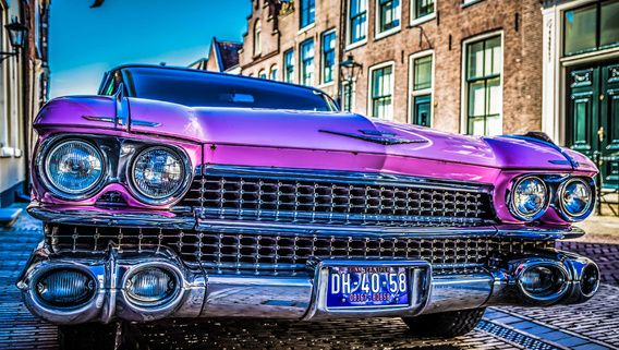 Nieuw in mijn Werk aan de Muur shop: Roze Cadillac 1959