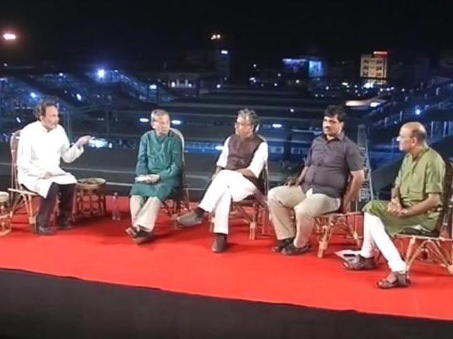 Battleground Bihar: Nitish Kumar vs Lalu Yadav http://www.ndtv.com/video/player/battleground/watch-battleground-bihar-nitish-kumar-vs-lalu-yadav/319534