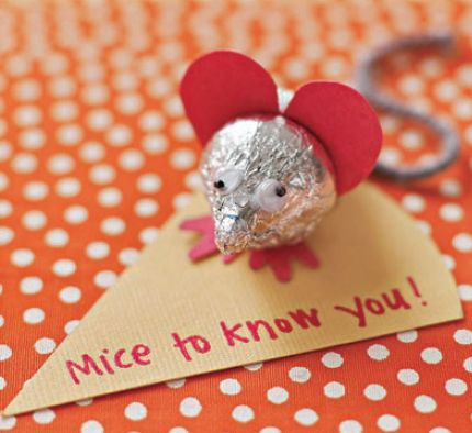 Sweet Mice #ValentinesDay Craft - candy kisses; licorice tail; red paper heart & feet; orange paper cheese slice...