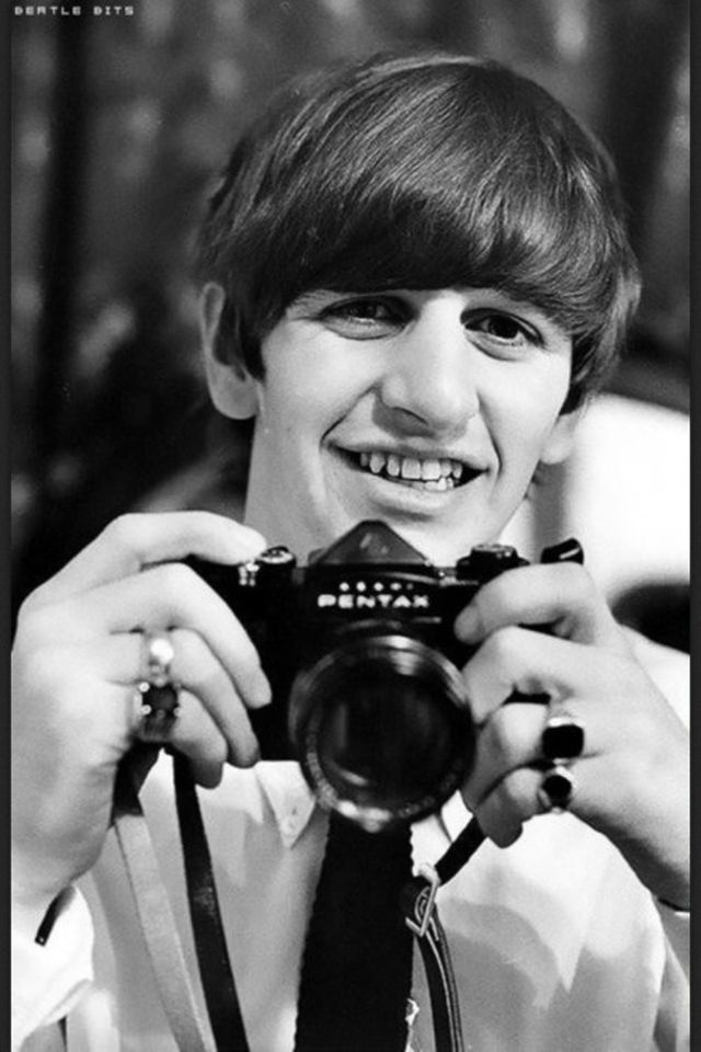 Ringo Starr: The Quietly Great Drummer of The Beatles – Vintage Photos Show Legendary Musician as a Photographer