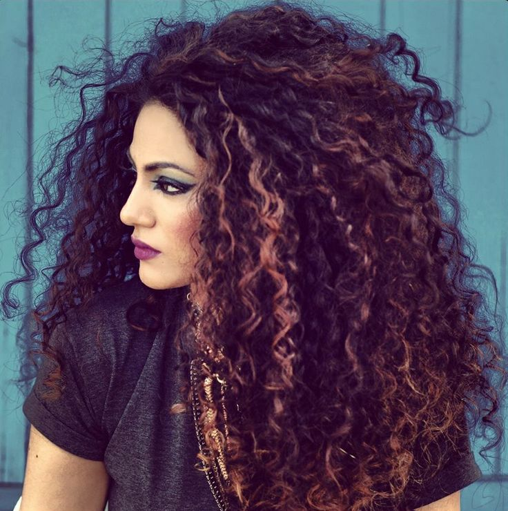 Love the subtle highlights in these curls--seriously wanting to do this to mine!