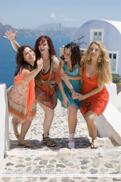 Sisterhood-2-Promotional-Images-sisterhood-of-the-traveling-pants-2069099-401-600.jpg 401×600 pixels