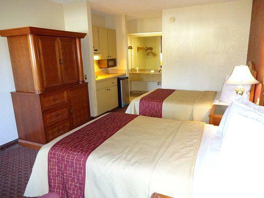 Affordable, Pet Friendly Hotel In Statesboro, GA. Red Roof Inn U0026 Suites  Statesboro