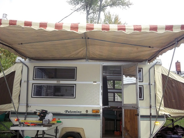 DIY Awning Made From 1 2 Pipes And Fittings Camper AwningsPopup