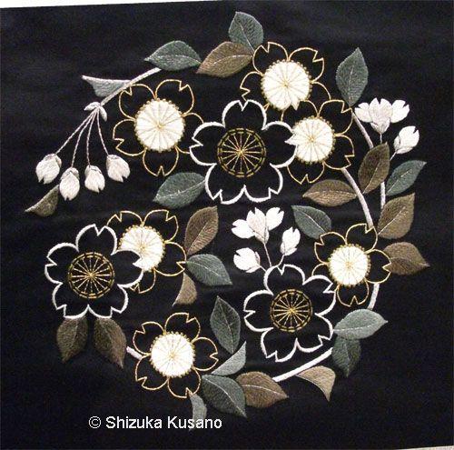 Image from http://www.nejiribana.co.uk/Assets/Images/flower-circle.jpg.
