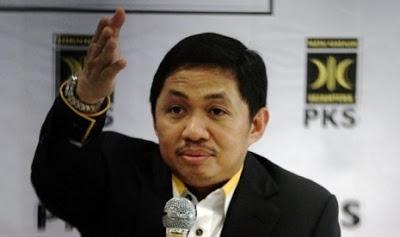 PKS Taktakan - Blog: Presiden PKS: Mahasiswa Harus Bersiap Jadi Penopang Ekonomi Indonesia