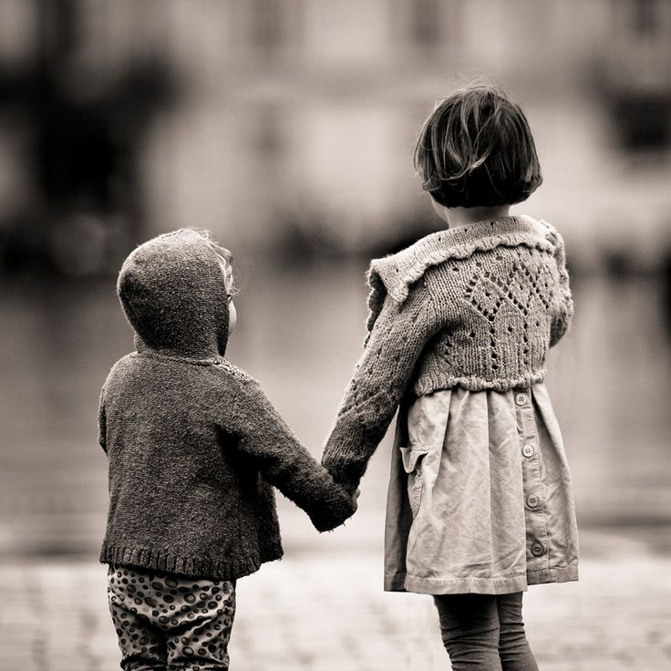 together: Brother Sisters, Families Pictures, Little Brother, Black White, Big Sisters, Baby Photography, Siblings Pictures, Street Photography, Holding Hands
