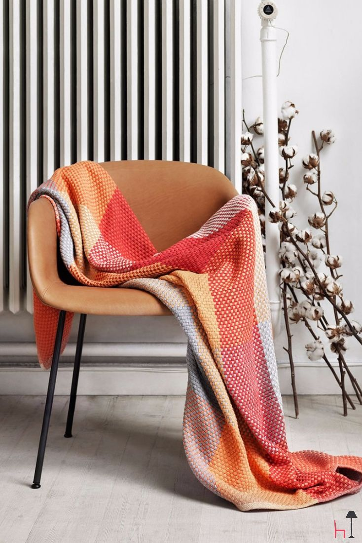 Loom by Muuto is a soft hand-woven throw made from 100% cotton.