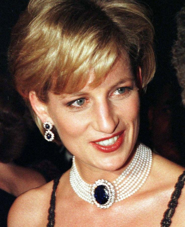 Princess Diana looking so beautiful.