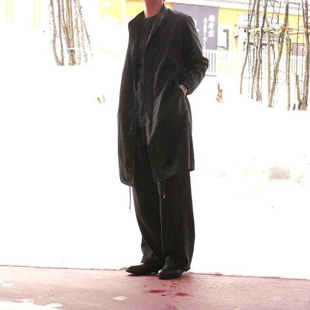 2018/02/16 11:46:08 free_way_patio1f オーナーコーディネート。 . 本日は春のオールブラックコーディネート。 全身黒で重厚感がありますが、 ロングコートにワイドパンツの 「ゆるいアイテム合わせ」で重さを緩和。 着用アイテムの素材感も変えているので、 重すぎないオールブラックコーディネートに。 . アウター #Audience . リップストップ撥水ナイロンモッズコート . パンツ #LiSS . ストレッチタックワイドパンツ . プロフィール下のリンクから オンラインショップへアクセスできます。 ぜひご利用下さいませ。 . #コーディネート #コーデ #着こなし  #モッズコート #ワイドパンツ  #オールブラック #オールデン #雪  #freeway #フリーウェイ  #上越 #新潟 #パティオ上越 #patio  #メンズファッション #メンズ  #きれいめカジュアル #カジュアル  #お洒落さんと繋がりたい  #mensfashion #fashion #ootd  #instafashion #instagood
