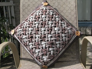 Passion et Couture: My Canadian Smocking pillow---wow!!!