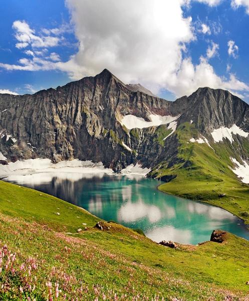 Karambar Lake,Gilgit Baltistan,Pakistan | Holidayspots4u