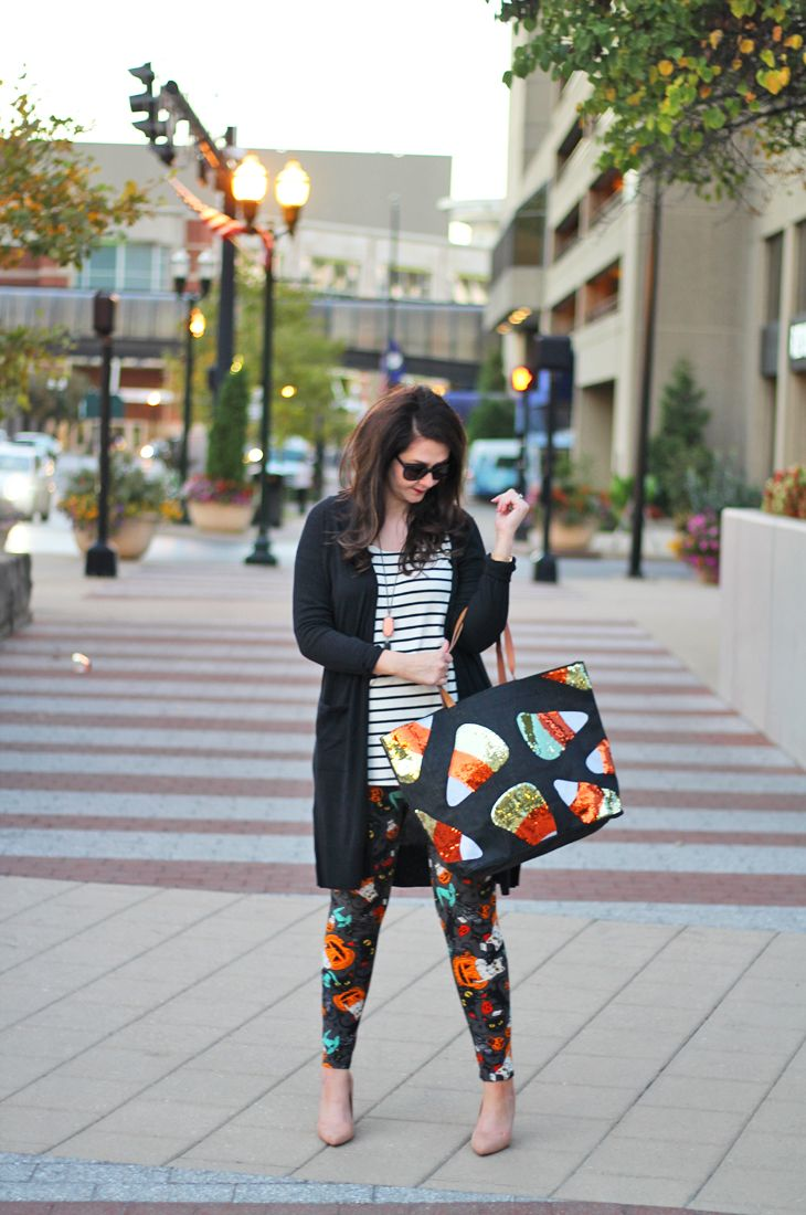 Casual Halloween outfit with LuLaRoe Halloween Leggings | Fall Layers | Holiday Wardrobe | Fall Fashion | What to wear on the holidays | Thanksgiving | Christmas | Dresses |Winter Wardrobe | Mud Pie Market | Cardigan