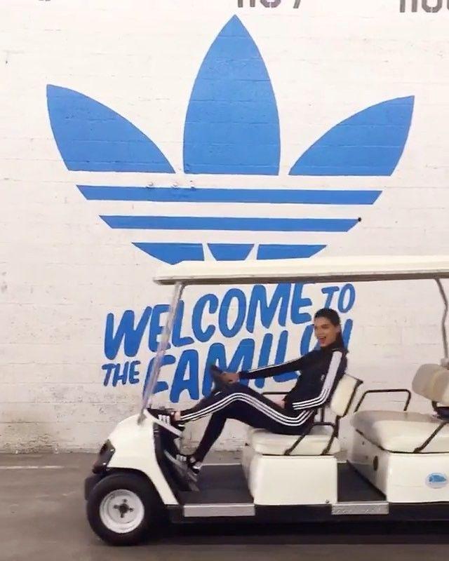 켄달 제너가 #아디다스 브랜드 앰버서더로 발탁되었다는 소식입니다 푸마 모델인 동생 카일리와 은근한 경쟁 구도네요? 칸예 웨스트 그리고 퍼렐 윌리엄스 리오넬 메시 셀레나 고메즈와 함께 앰버서더로 활동할 그녀의 활약을 기대하시길! ( @kendalljenner Juyeon Woo) _ #KendallJenner has been named brand ambassador for #adidas joining #KanyeWest #PharrellWilliams #LionelMessi and #SelenaGomez. #adidasAmbassador #adidasOriginals #Vogue #VogueKorea #超模 #阿迪达斯  via VOGUE KOREA MAGAZINE OFFICIAL INSTAGRAM - Fashion Campaigns  Haute Couture  Advertising  Editorial Photography  Magazine Cover Designs…