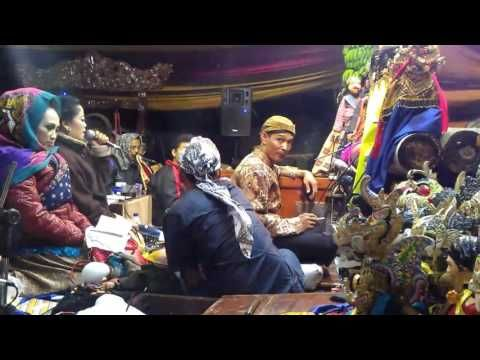 Lilis Jinawi : Sinden Sunda (Wayang Golek)