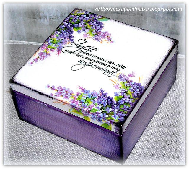 NIEZAPOMINAJKA NOMEOLVIDES: boxes and boxes for children with a sentence / Cofres para Ninas y cajas con sentencia